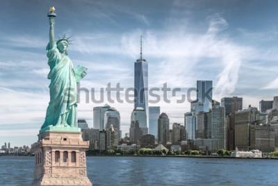 Obraz Statua wolności na tle World Trade Center, zabytki Nowego Jorku