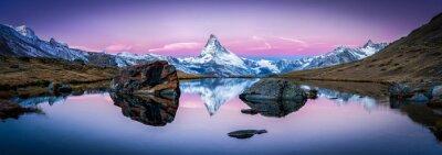 Obraz Stellisee w Szwajcarii z Matterhorn w tle panoramy