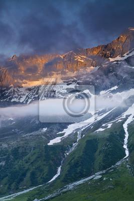 światła słońca i chmury w Alpine we Włoszech