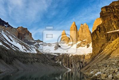 Torres del Paine o wschodzie słońca