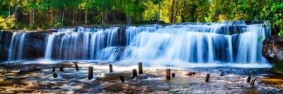 Obraz Tropical wodospad w dżungli z motion blur