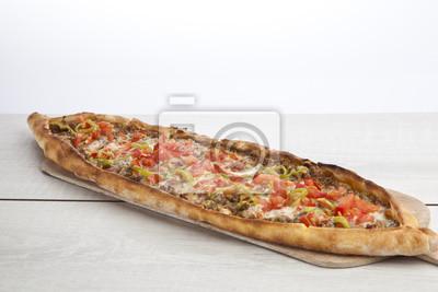 Obraz Turecki pide wołowiny i sera pita