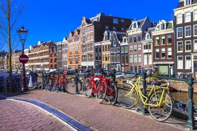 Obraz Urocze Amsterdam. Kanały i rowery
