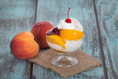 Obraz Vanilla Melba lody z owoców brzoskwini na drewnianym vintag