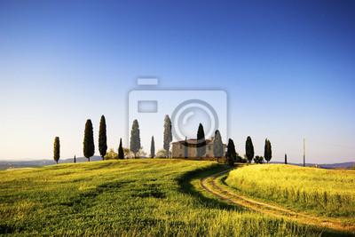 villa con Cipressi, Toscana, Italia
