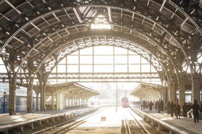 Obraz Vintage dworzec kolejowy z metalowym dachem