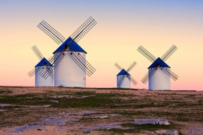 Obraz Wiatrak w Campo de zm, La Mancha, Hiszpania
