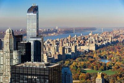 Obraz Widok z lotu ptaka Central Park jesienią z Upper West Side na Manhattanie w Nowym Jorku. Widok zawiera wieżowce Midtown, rzekę Hudson i George Washington Bridge.