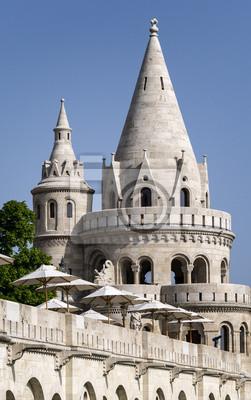 wieże pałacu królewskiego w Budapeszcie