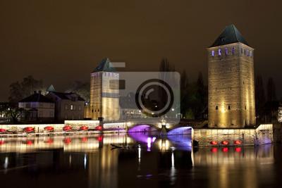 Wieże średniowieczny most Ponts Couverts w Strasburgu,
