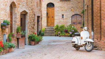 Obraz Włoskie ulice w toskańskim miasteczku i popularne single-tr