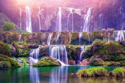 Obraz Wodospad Jiulong w Luoping w Chinach.