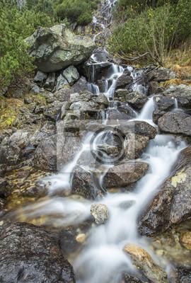 wodospad na kamienie