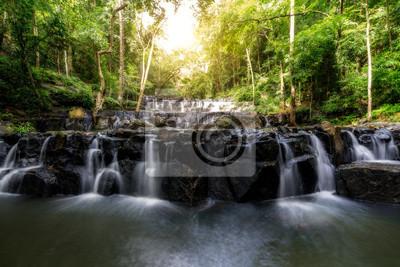 Wodospad Sam Lan jest piękny wodospad w tropikalnym lesie, prowincja Saraburi w Tajlandii.