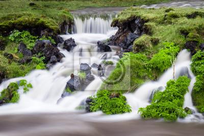 Wodospad w Wyspa Kleiner