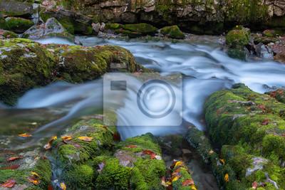 Wodospady w Parku Narodowym Ordesa i Monte Perdido, Hiszpania