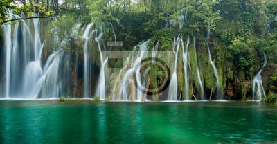 wodospady w parku w