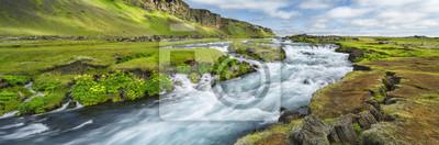 Zasilanie prądem rzeki z silnym w Islandii