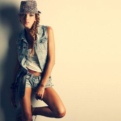 Obraz Zdjęcie pięknej dziewczyny w stylu mody