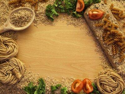Obraz Zdrowa żywność tło, ryż, makarony, sałatki i warzywa.