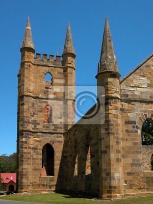 zrujnowany kościół zabytkowy