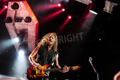 Plakat 24 kwietnia 2010 - Moskwa, Rosja - amerykański zespół rockowy na żywo w wykonaniu Metalliki Olimpijskim stadionie.