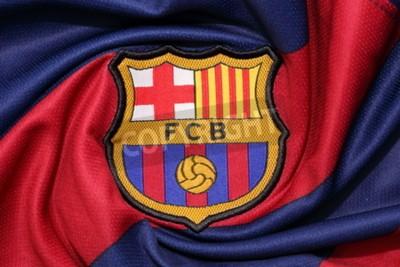 Plakat Bangkok, Tajlandia 30 sierpnia 2015: Logo Barcelona Football Club na na na oficjalnej koszulce 30 sierpnia 2015 w Bangkoku w Tajlandii.