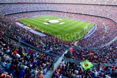 Plakat BARCELONA, Hiszpania - 13 maja 2011: Niezidentyfikowane FC Barcelona kibice świętują zwycięstwo hiszpańskiego Championship League w stadionu Camp Nou.