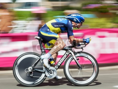 Plakat Beaurouvre,France, July 27 2012:Paning image of the Belgian cyclist  Nuyens Nick (Team Saxo-Bank Thinkoff Bank) riding during the 19th stage- a time trial  between Bonneval and Chartres- of
