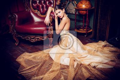Plakat beige long dress