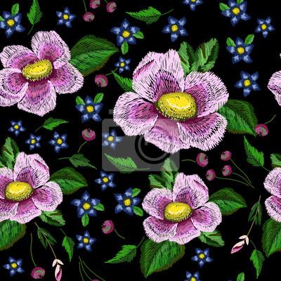 Bez szwu deseń kwiatów. Imitacja haftu.