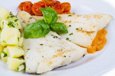 Plakat biały danie z Fresh czarny dorsza z sosem z pomidorów i ziemniaków