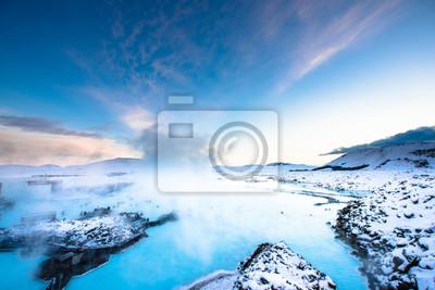 Plakat Blue Lagoon ciepłej wiosny spa. jedną z głównych atrakcji turystycznych w Reykjavik, Islandia