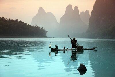 Plakat Chiński mężczyzna połowów z kormorany ptaków