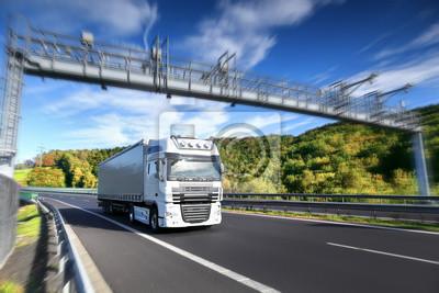Ciężarówka w drodze