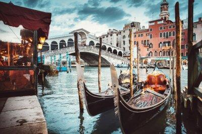 Plakat Classical view of the Rialto Bridge - Venice