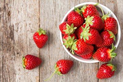 Plakat Czerwone truskawki w misce