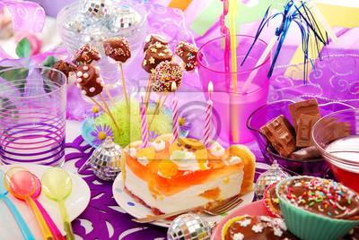 Dekoracja Stołu Urodziny Ze Słodyczami Dla Dziecka Plakaty Na ścianę