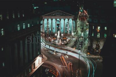 Plakat Długa ekspozycja - Royal Stock Exchange - Londyn - Light Trails - City of London