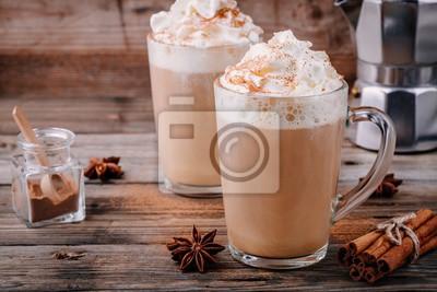 Plakat Dynia przyprawa latte z bitą śmietaną i cynamonem