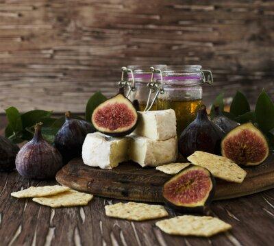 Plakat Figi z serem i miodem, selektywne focus