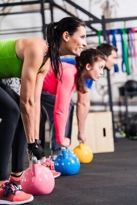 Plakat Funkcjonalne fitness gym treningu z kettlebell