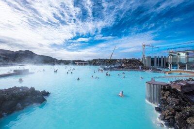 Plakat Geotermalnych spa Blue Lagoon jest jednym z najczęściej odwiedzanych miejsc w Islandii