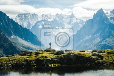 Plakat Górzysty krajobraz widok na góry Lac Blanc i Mont-Blanc w Europie, Chamonix Francja