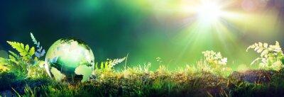 Plakat Green Globe na mchu - koncepcja środowiska
