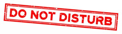 Plakat Grunge red do not disturb word square rubber seal stamp on white background