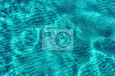 Plakat Jasnoniebieska woda w lagunie morskiej