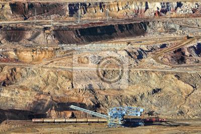 Koparka w górnictwie odkrywkowym rudy żelaza