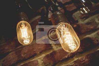 lampy żarowe, staromodny żyrandol