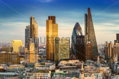 Plakat London, England - Business district with famous skyscrapers and landmarks at golden hour
